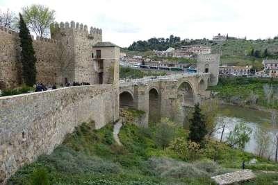 Крепость на реке Тахо
