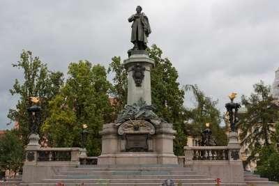 Памятник Адаму Мицкевичу