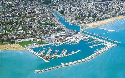 Марина ди Пескара - морская пристань для яхт