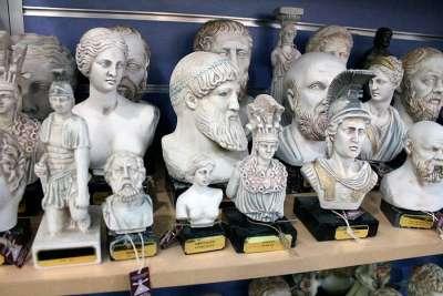 Мраморные статуэтки греческих богов