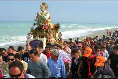 Празднование Дня рыбака в Пескаре