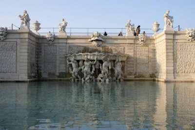 Шикарный фонтан
