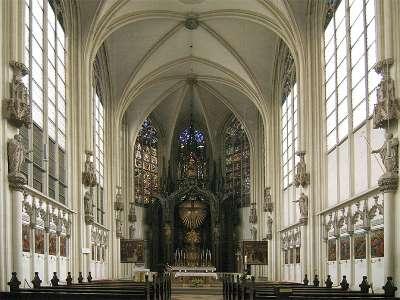 Церковь использовалась французами как конюшни во времена Наполеона