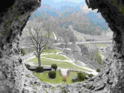 Вид из окна замка Хоэнверфен