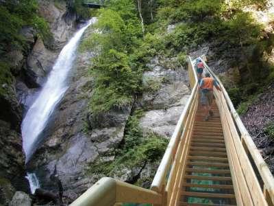 Лестница на водопад
