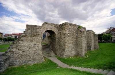 Аквинкум. Часть древних укреплений
