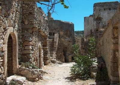 Китира. Древние постройки