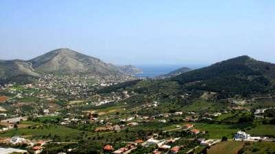 Саламин. Общий вид острова