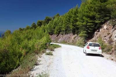 Грунтовая дорога в горы