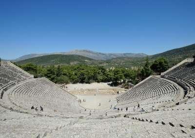 Древнейший амфитеатрг Арголиды в греческом городе Аргос