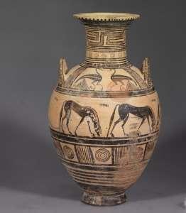 Древний сосуд. Музей Элефтерны