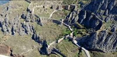 Крепостные стены Акрокоринфа. Вид с высоты