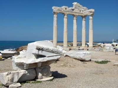 Храм Аполлона в Сиде. Турция