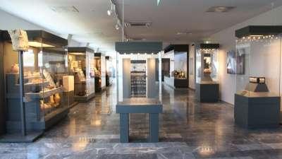 Экспозиция древностей в музее Элефтерны