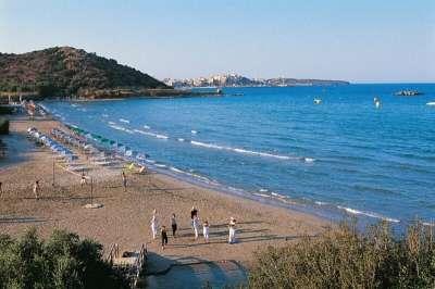 Пляж отеля Алмиро Бич