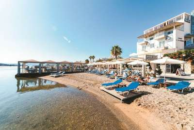 Пляж отеля Akti Olous