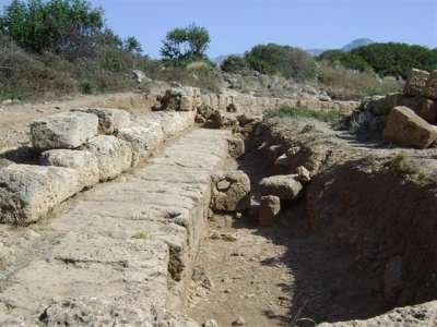 Раскопки древней гавани в Фаласарне