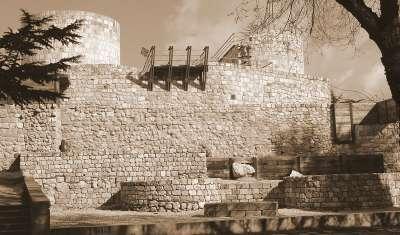 Руины Бургосского замка. Южные ворота